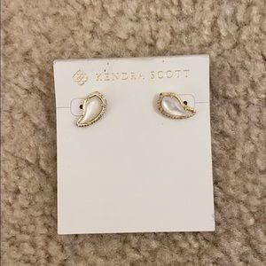 NWT Kendra Scott earrings
